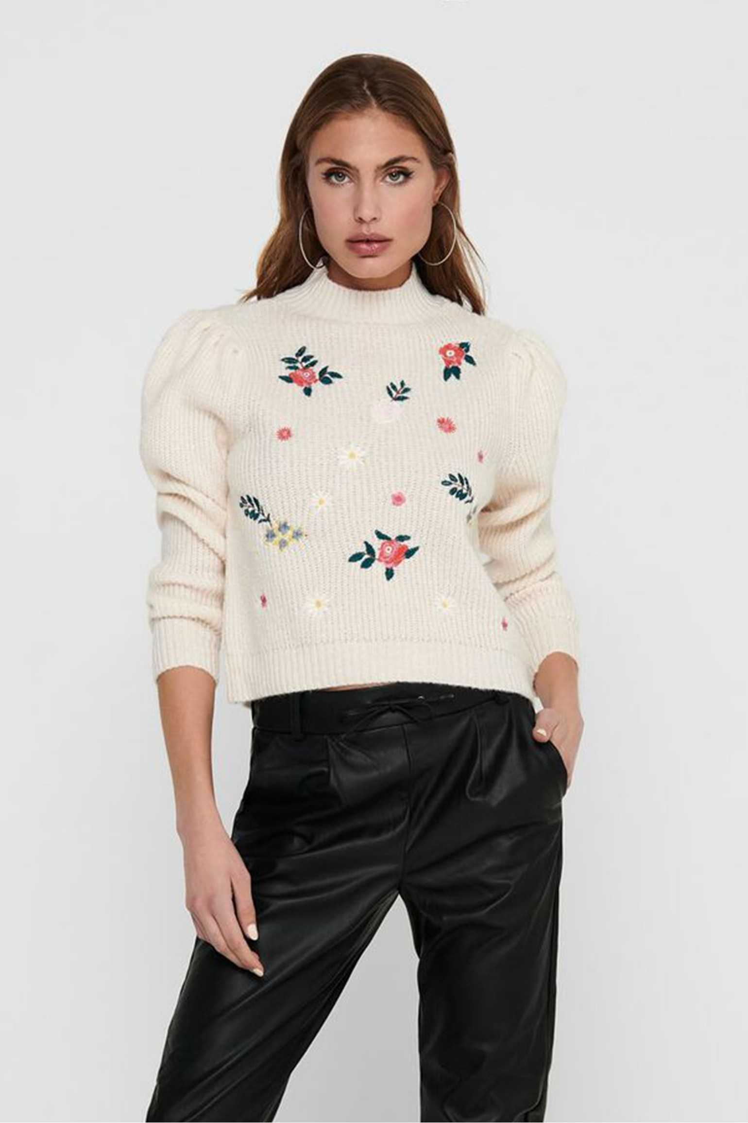Embroidery Knitted Top